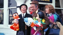 Carry On At Your Convenience Regarder Film Gratuit